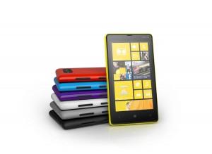 Nokia Lumia 820 stehend
