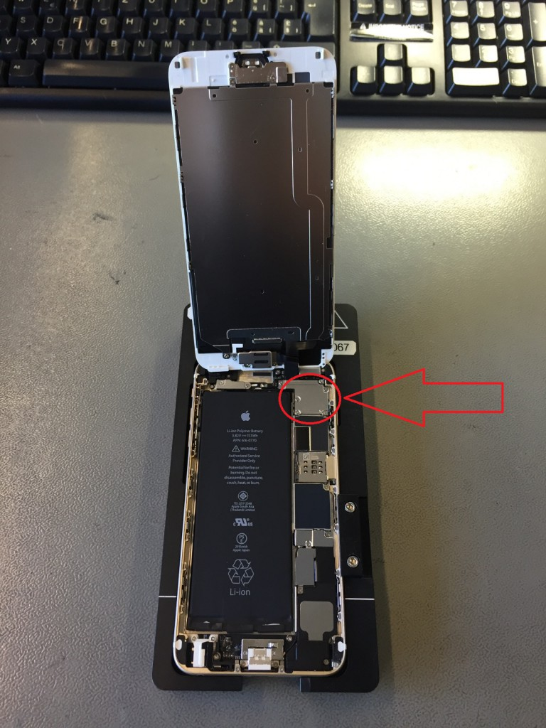 iPhone 6S Display ausbauen