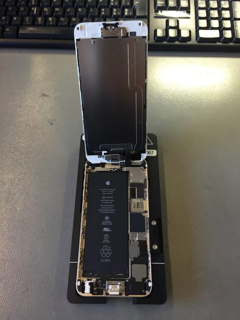 iPhone 6S geöffnet