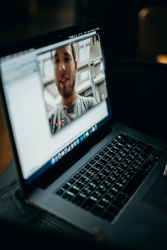Videocall mit Smartphone und PC