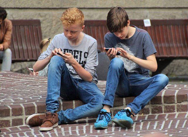 Mobile Gaming Kids