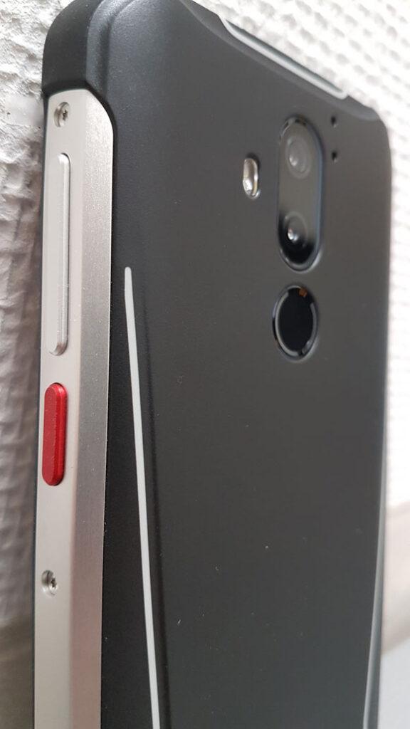 GX290 Plus Rückseite Power-Button